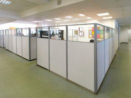 Мобильные перегородки в офисном помещении