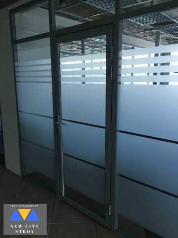 Дверь в алюминиевом каркасе Новогорск