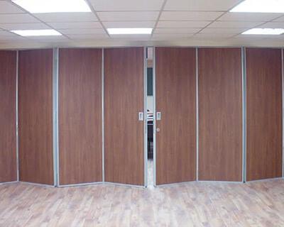Раздвижные перегородки для офисного пространства