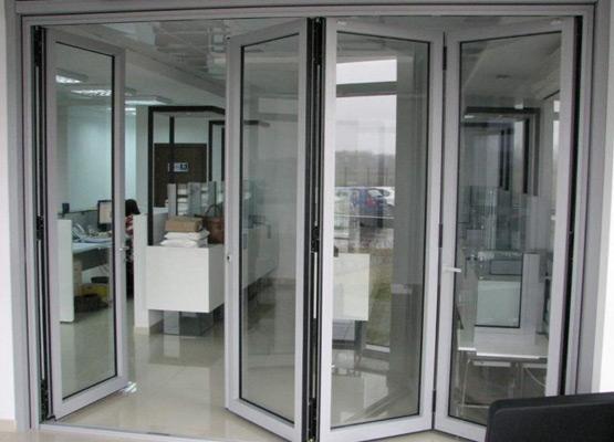 Раздвижные перегородки алюминиевый профиль и стекло