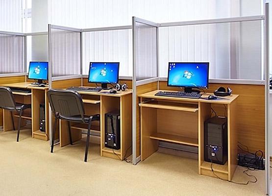 Мобильные перегородки в офисном пространстве