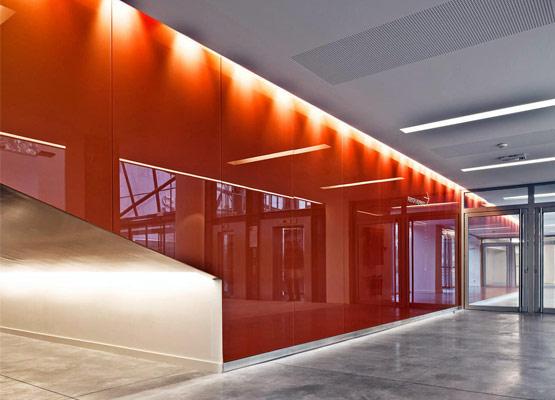Отделка офиса стеклянными панелями