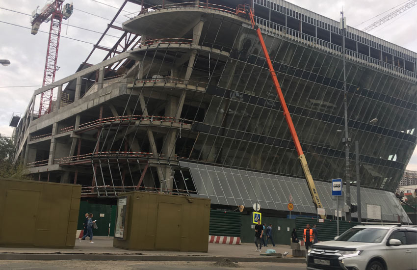 Монтаж остекления здания