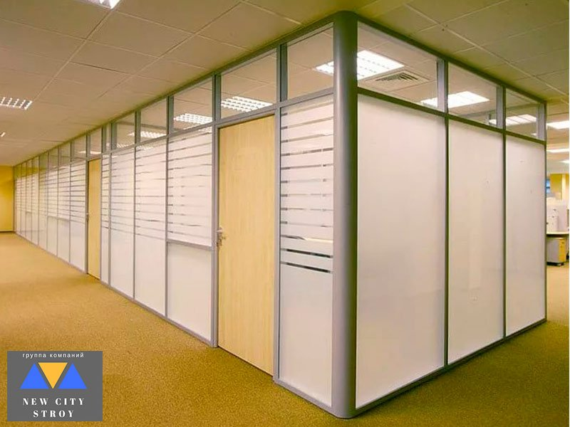 Глухие шпонированные двери в офис