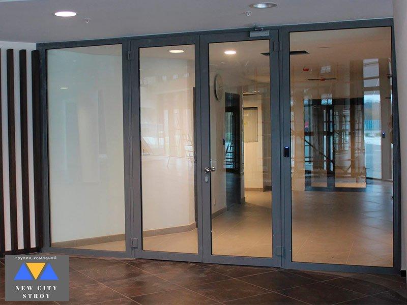Противопожарные двери из стекла