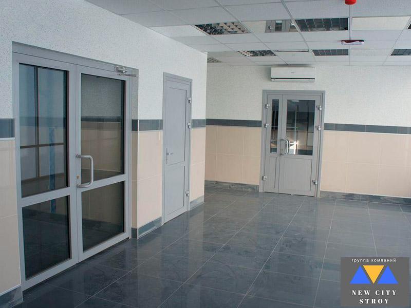 Установка дверей в офисе